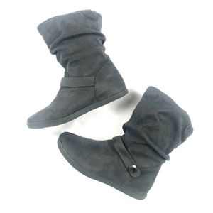 Roxy Faux Suede Gray Boots